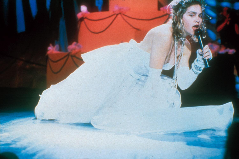 """Madonna na apresentação de """"Like a Virgin"""" em 1984, no VMA (Foto: Getty Images)"""