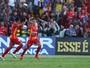 Mike, Ronaldo Mendes e Andrigo brigam pelo gol mais belo da rodada