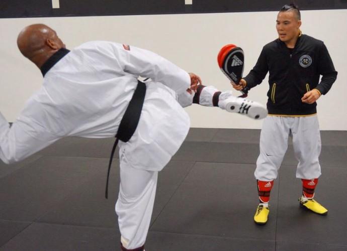 Anderson Silva, taekwondo, treino (Foto: Reprodução/Twitter)