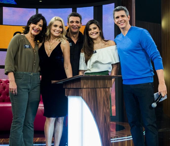 A família de Flávia Alessandra no programa de Marcio Garcia (Foto: João Miguel Júnior / Globo)