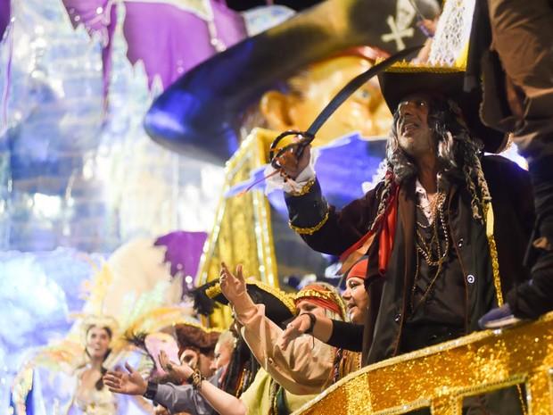 Piratas e lendas contadas em Ilhabela foram inspiração para a Unidos de Vila Maria (Foto: Flavio Moraes/G1)