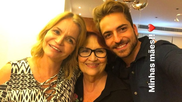 Thales Bretas com a mãe e a sogra (Foto: Reprodução / Instagram)