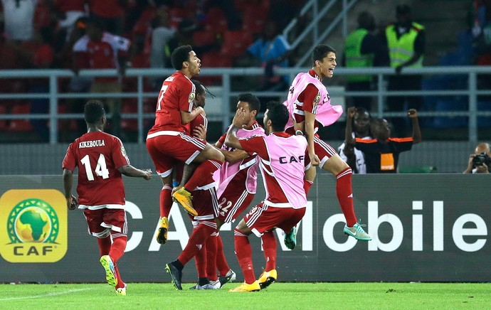 Balboa comemora gol da Guiné Equatorial (Foto: Agência AP )