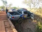 Ladrões fogem em carro da polícia, ferem 2 PMs após roubo aos Correios