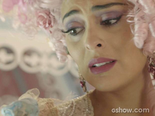 Catarina sofre com a tristeza de Pituca (Foto: Meu Pedacinho de Chão/TV Globo)