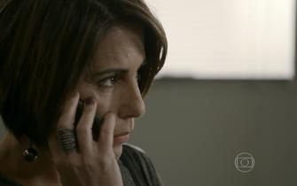 Beatriz liga para Otávio pedindo ajuda