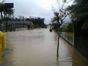 Ruas do município estão alagadas (Foto: Alexandro Preto/Divulgação)