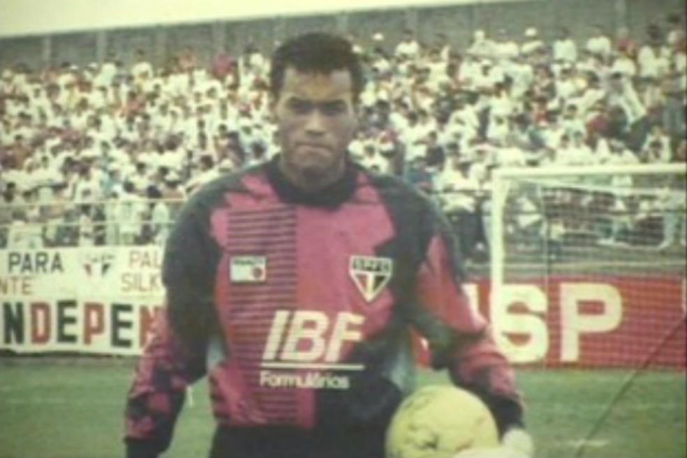 Alexandre com a camisa do São Paulo (Foto: Marilene Escobar / Arquivo pessoal)