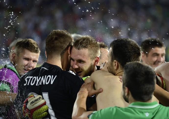 Cosmin Moti celebra vitória do Ludogorets contra o Steaua Bucarest (Foto: Efe)