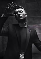 Mais magro, Sam Smith é estrela de nova campanha de moda masculina