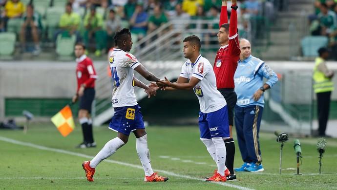 Alisson afirma que os jogadores do Cruzeiro devem se preocupar em fechar o ano bem (Foto: Marcello Zambrana/Light Press)