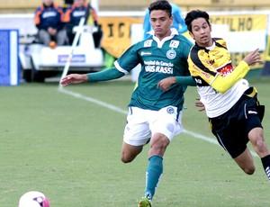 Lucca do Criciúma na partida contra o Goiás (Foto: Fernando Ribeiro / Futura Press)