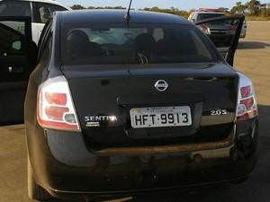 Motorista de carro que dava apoio ao grupo também foi conduzido  (Foto: Divulgação/PM)