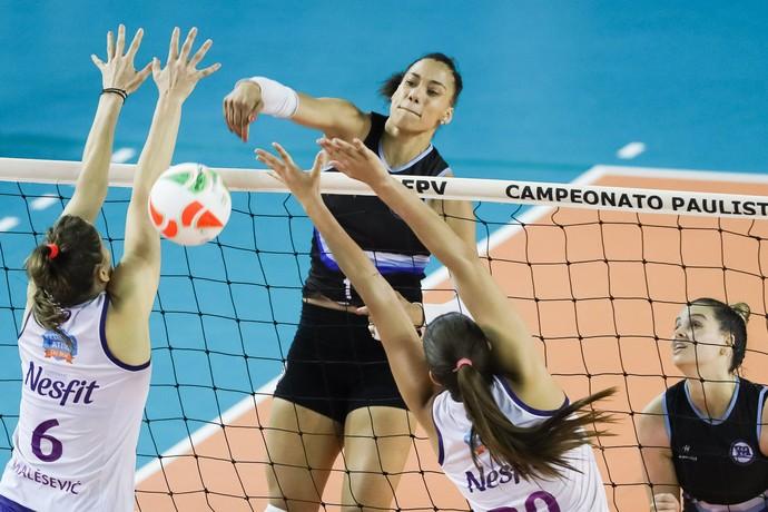 Pinheiros e Osasco - primeira partida da final do estadual (Foto: Ricardo Bufolin/ECP)