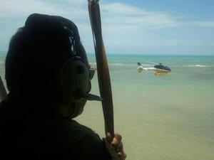 Polícia Rodoviária Federal utilizou dois helicópteros nas buscas que duraram todo o domingo (7) (Foto: Divulgação/PRF)