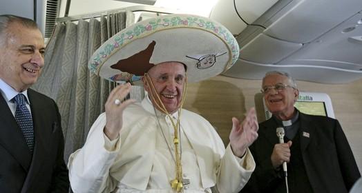 católicos emocionados (Reuters/Alesssandro Di Meo/Pool)