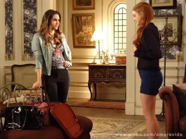 Leila se muda para mansão de Nicole (Foto: Amor à Vida / TV Globo)