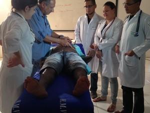 Estudantes de medicina atendem novos casos na Baixada Maranhense (Foto: Clarissa Carramilo/G1)