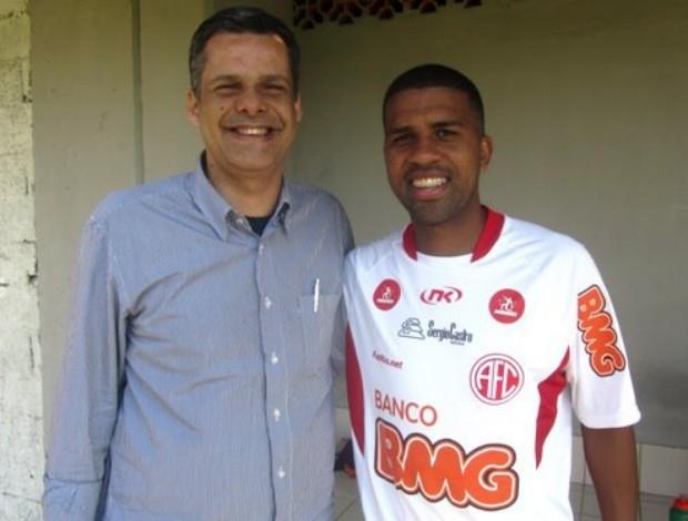 Lateral-esquerdo Leandro, Ex-Cruzeiro, Palmeiras, Fluminense e Atlético-M, volta ao América-RJ (Foto: Fábio Bião / Site oficial do América)