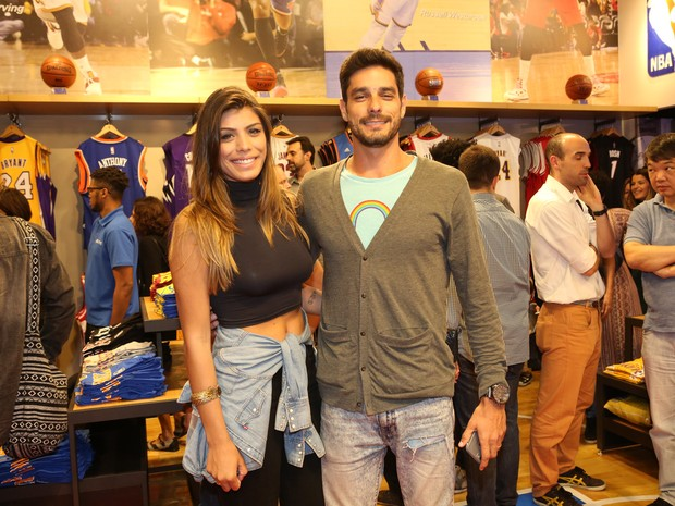 Ex-BBBs Franciele Almeida e Diego Grossi em evento na Zona Oeste do Rio (Foto: Reginaldo Teixeira/ CS Eventos/ Divulgação)