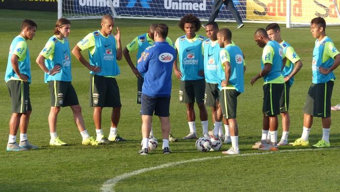 Dunga - treino da Seleção (Foto: Richard Souza)