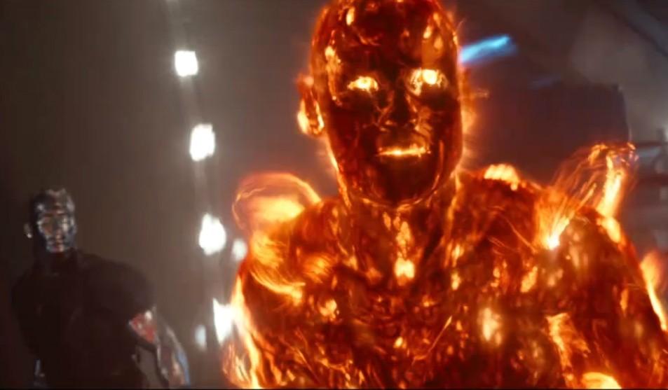 Os personagens Colossus (ao fundo) e Mancha Solar em cena de 'X-Men: Dias de um Futuro Esquecido'. (Foto: Reprodução)
