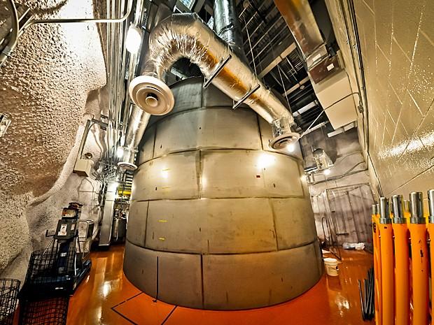 Tanque de água com 6m x 8m onde o Lux está armazenado (Foto: Reprodução/Flickr/luxdarkmatter/C.H. Faham)