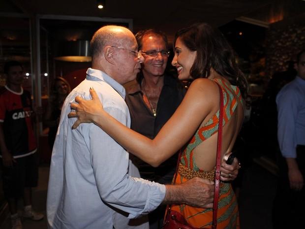Gilberto Braga e Camila Pitanga em festa no Rio (Foto: Marcos Serra Lima/ EGO)