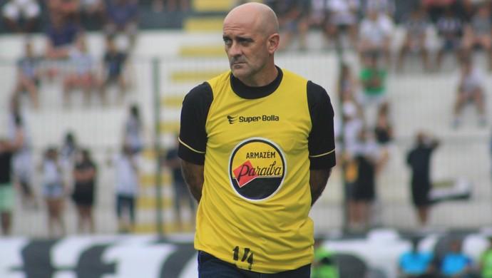 Itamar Schülle técnico do Botafogo-PB (Foto: Fabiano de Oliveira)