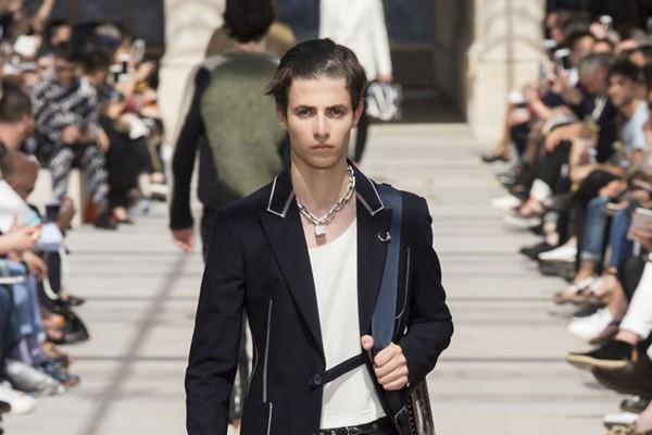 Louis Vuitton - Semana de Moda de Paris verão 2017 (Foto: IMAXTREE)