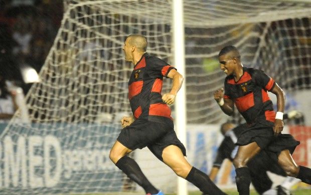 Sport x Botafogo-PB - Neto Baiano (Foto: Aldo Carneiro/ Pernambuco Press)