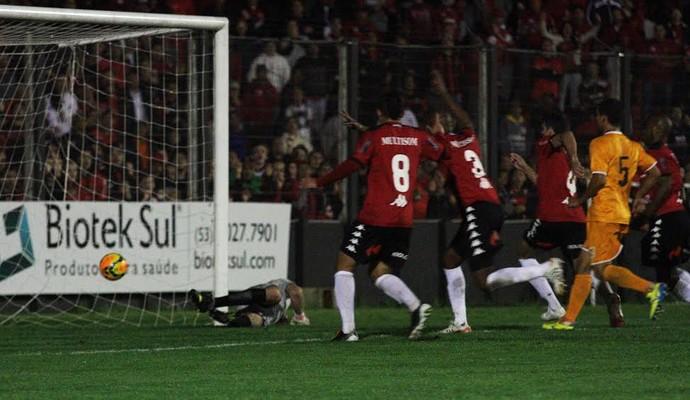 Brasil-Pe venceu o primeiro jogo das quartas da Série D (Foto: Italo Santos/GE Brasil)