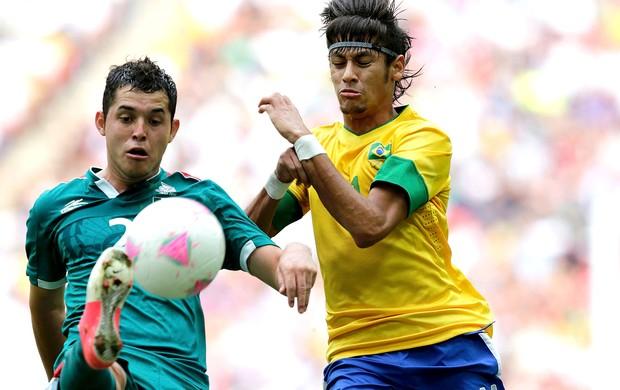 Neymar na final Brasil x México futbeol (Foto: AFP)
