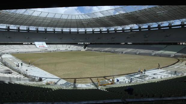Castelão concluiu plantio de gramado em um dia (Foto: Divulgação/Secopa)