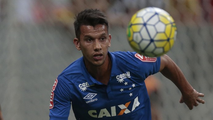 Henrique Cruzeiro; Botafogo;Mané Garrincha (Foto: Ueslei Marcelino/Light Press)