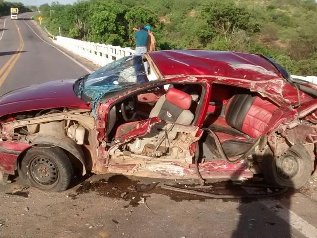Veículo que a jovem estava (Foto: Divulgação/Polícia Rodoviária Federal)