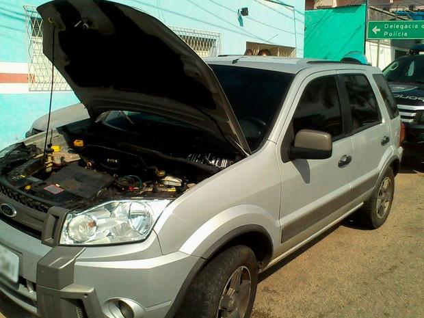 Veículo EcoSport pertence ao policial militar e foi apreendido por ter as placas clonadas (Foto: Divulgação/Polícia Militar do RN)