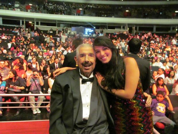 Rubén Aguirre com a neta Bárbara em 2012 (Foto: Reprodução/Twitter)