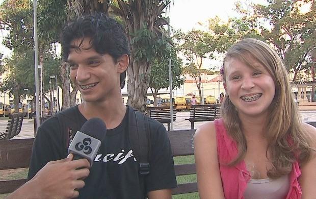 Especialista fala da importância do diálogo entre os pais e os jovens. (Foto: Acre TV)