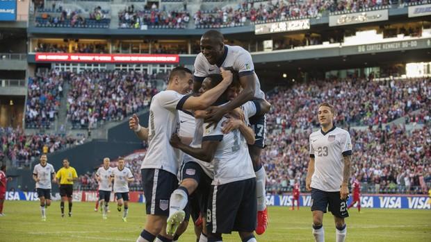Comemoração do primeiro gol dos EUA contra o Panamá (Foto: EFE)