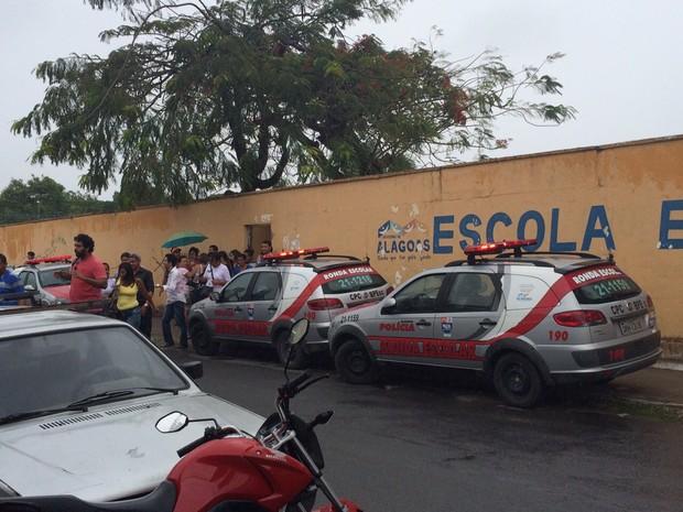 Polícia Militar precisou ser acionada (Foto: Michelle Farias/G1)