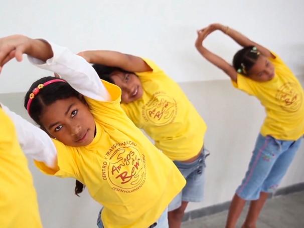 Hoje, os Amigos do Bem atendem 60 mil pessoas, de 12 mil famílias (Foto: Globo)