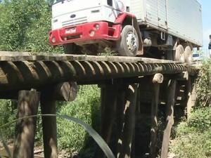 Ponte é importante para escoar produção do Vale (Foto: Reprodução/TV Tribuna)