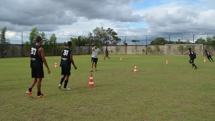 Sub-20 do Santos-AP intensifica treinos para campeonato de base (Foto: Rafael Moreira/GE-AP)
