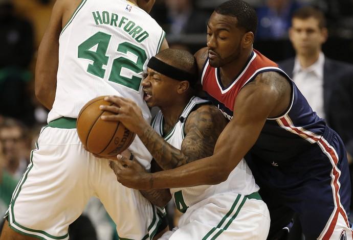 Isaiah Thomas e John Wall no confronto entre Celtics e Wizards (Foto: Reuters)
