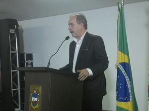 Ministro Aloizio Mercadante disse que prioridade em 2016 é melhorar educação no Nordeste (Foto: Larissa Vasconcelos/G1)