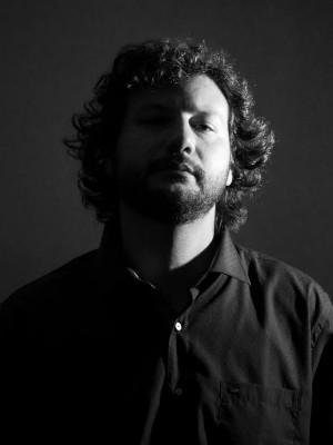 """O professor Alexandre Leocádio é o autor das letras e músicas do CD """"Literalmente Rock"""" (Foto: Divulgação)"""