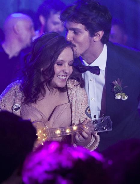 Larissa Manoela e Rafael Infante em cena do filme 'Meus 15 anos' (Foto: Divulgação)