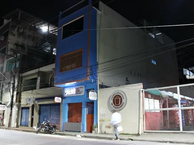 Prédio fica localizado na Rua Lobo D'Almada, no Centro de Manaus (Foto: Indiara Bessa/G1 AM)