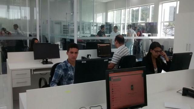 Nova redação da Inter TV dos Vales já foi instalada (Foto: Patrícia Belo/G1)
